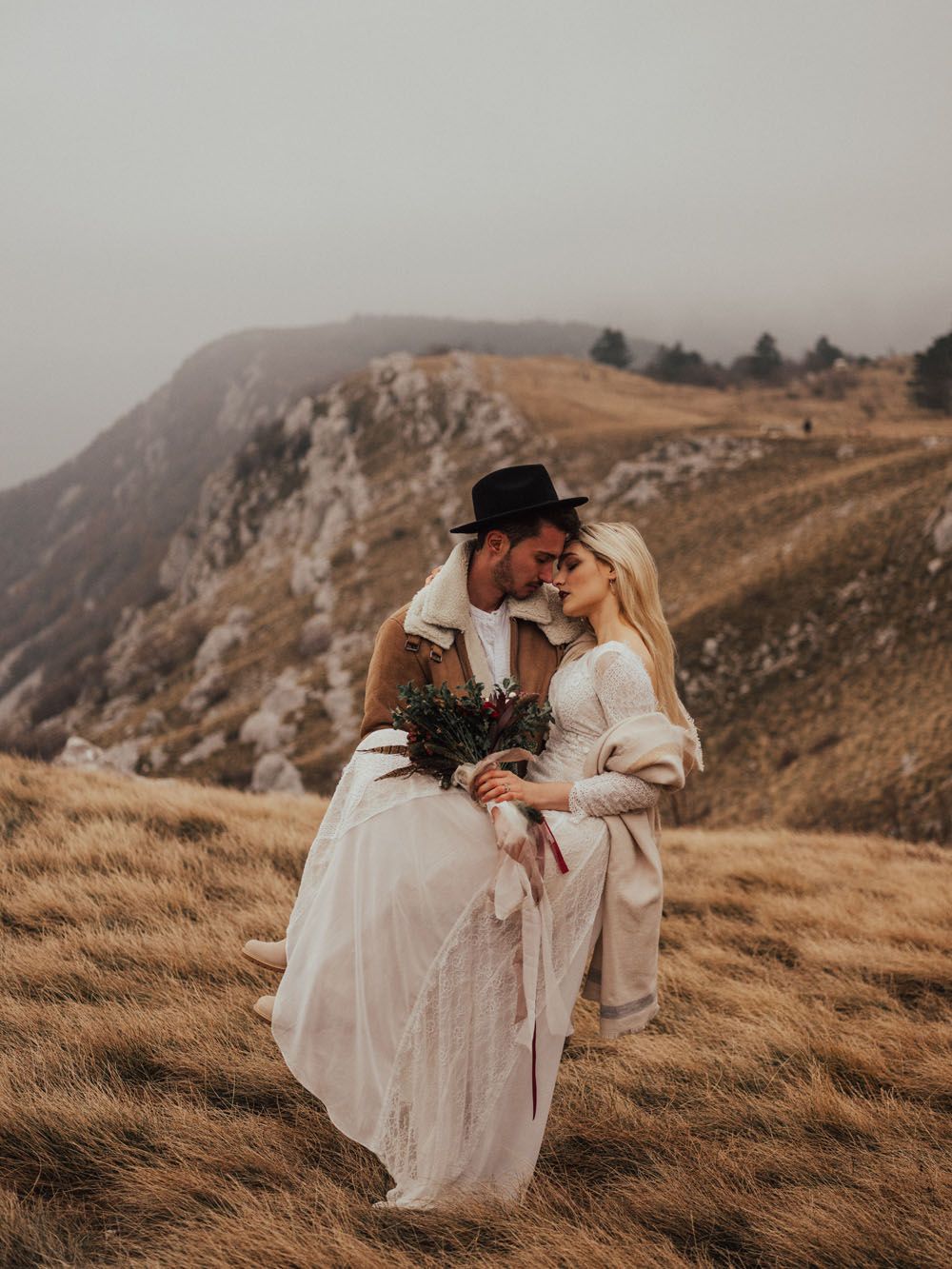 Elopement in mountains