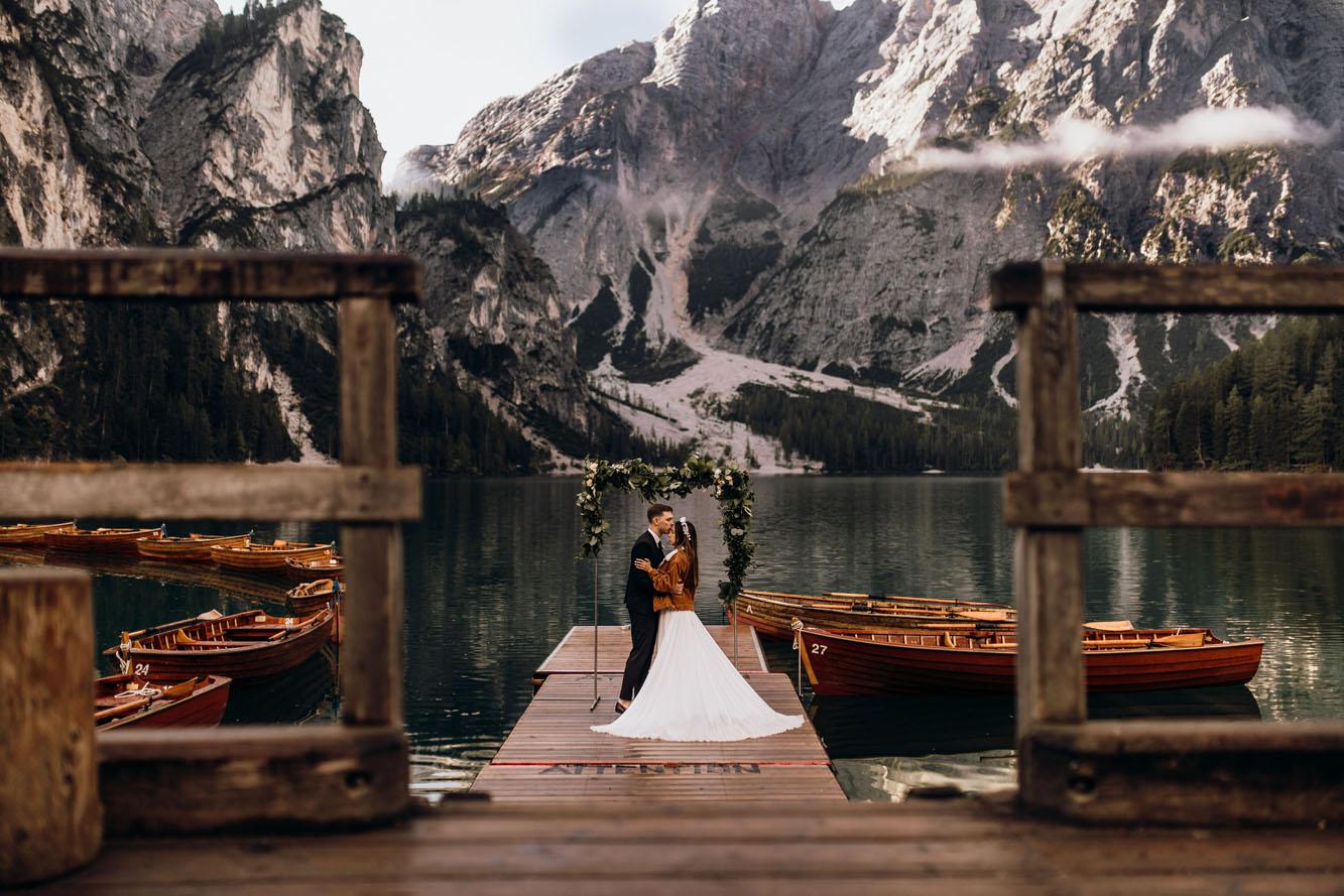 Wedding Elopement on Lago Di Braies – Pragser Wildsee & Passo Giau